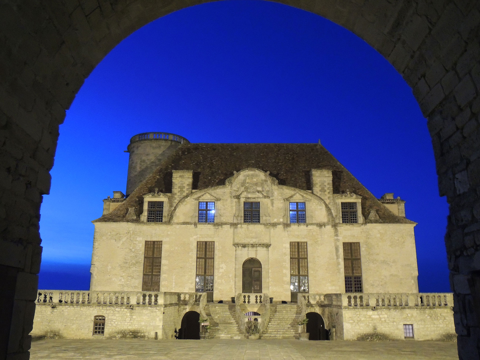 Exhibitions at Duras Castle